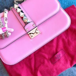 Valentino rockstud medium bag in lipstick pink